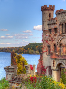 Bannerman Castle in Fall